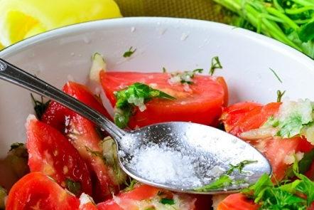Посолете доматите