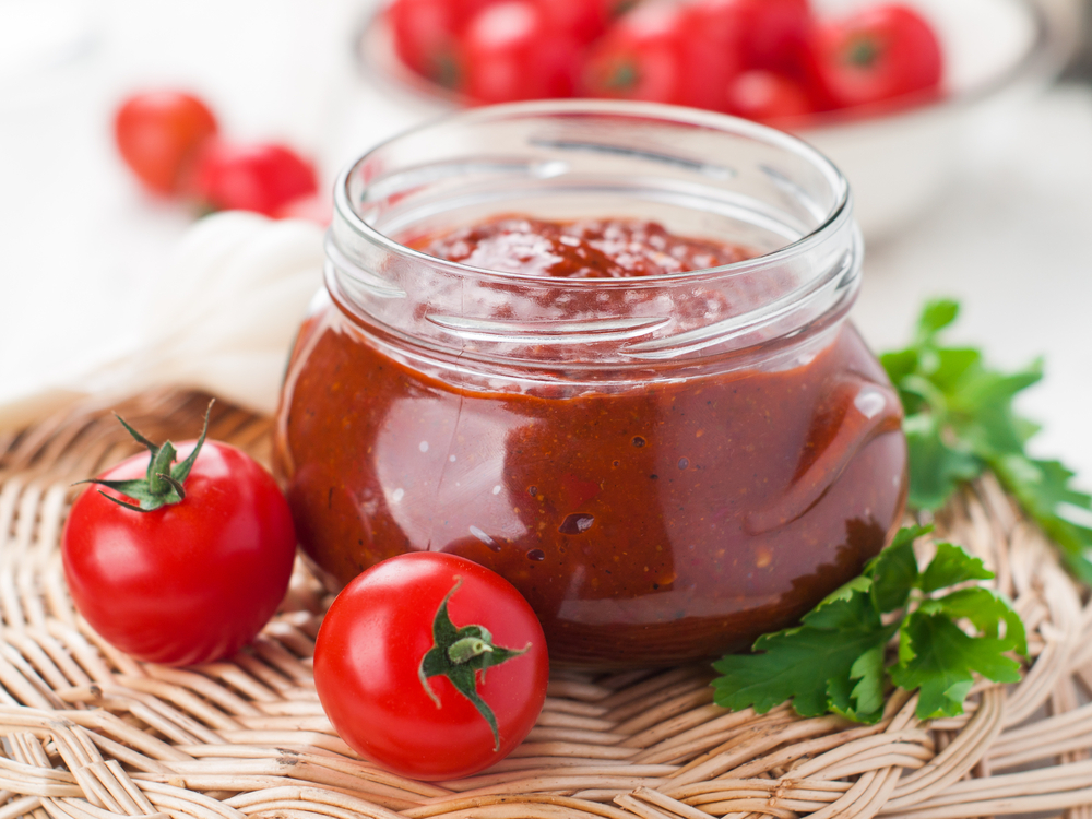 tomato paste and tomatoes