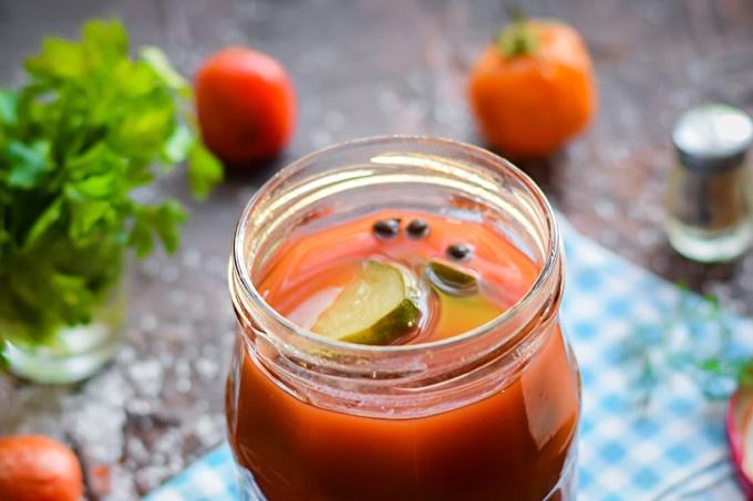 Tomato cucumbers