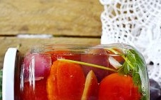 Tomatoes with plums