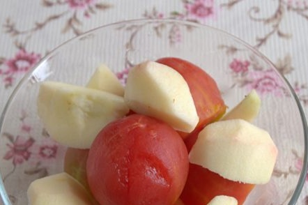 peeled tomatoes and onions