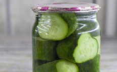 cucumbers in jars without vinegar