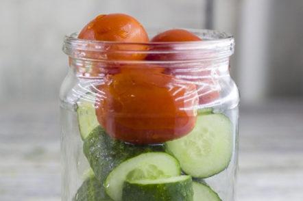 Сложете доматите