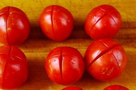 prepare tomatoes