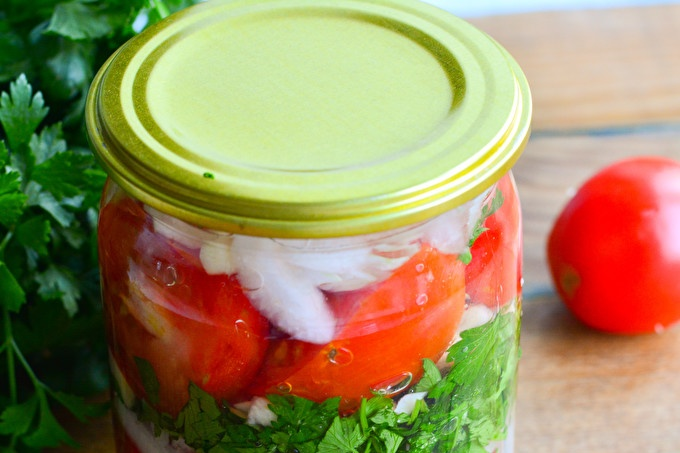 Polish tomatoes for the winter without sterilization