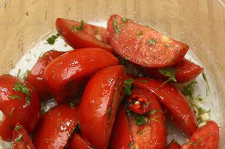 mélanger les tomates