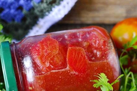 Много вкусни домати в собствения си сок без стерилизация за зимата