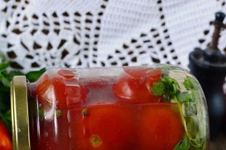 събиране на домати