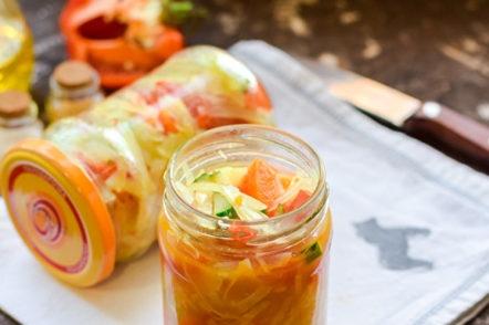 we arrange the salad in jars