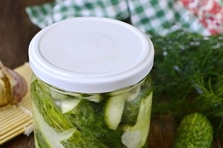 pickled cucumbers with garlic