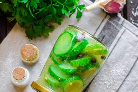 краставица салата за зимата