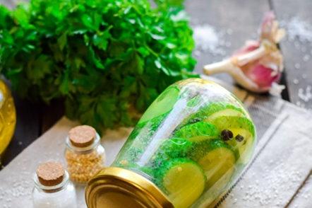 salade de concombre pour l'hiver