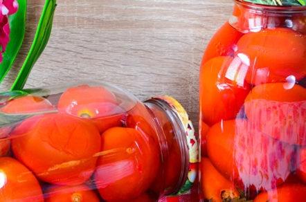 домати с босилек