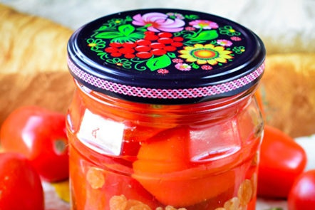 pickled tomatoes with raisins