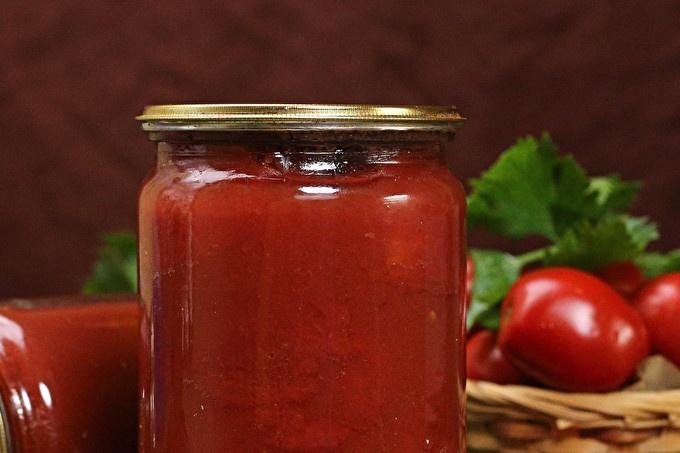 Домати в доматен сок