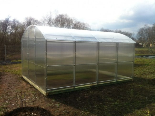 straight wall greenhouse