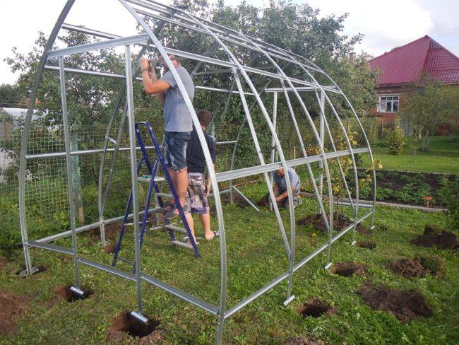 Как да инсталирате оранжерия