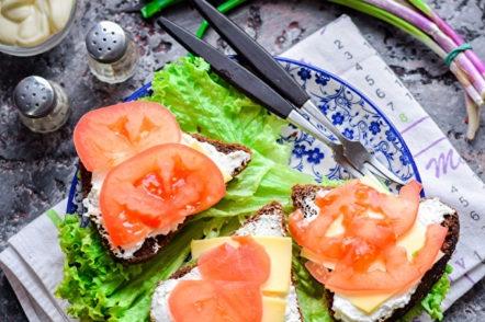 sandwichs à la tomate