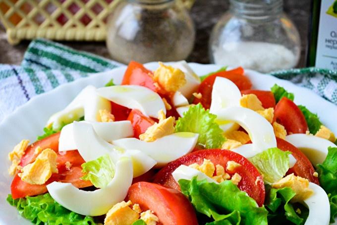 Salade De Tomates Et D'Oeufs