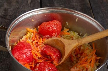 слагаме домати