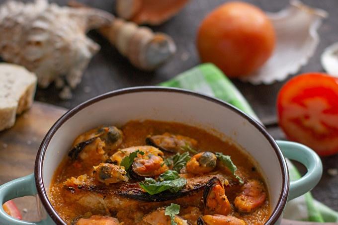 Доматена супа с миди