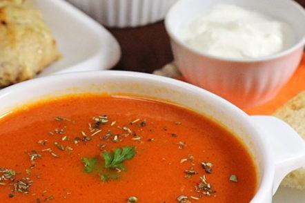 класическа доматена супа от пресен доматен пюре