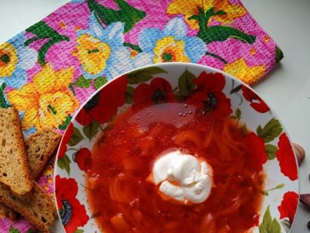 borscht with chicken broth with pickled tomatoes