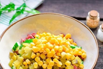 добавете царевица