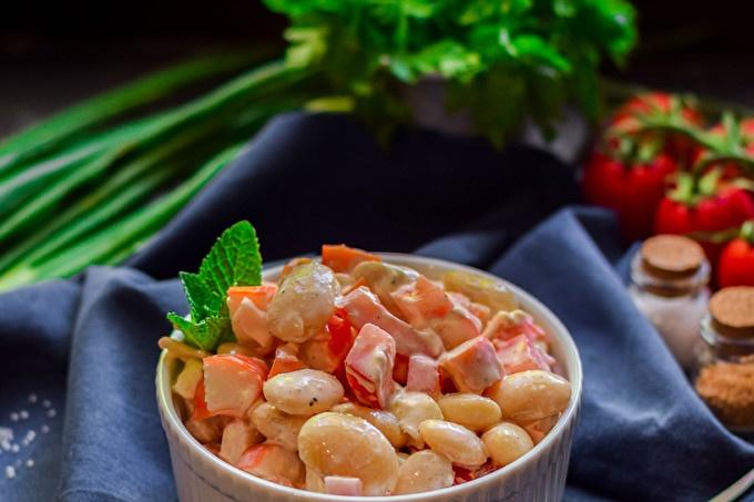 salade de haricots, tomates et tomates